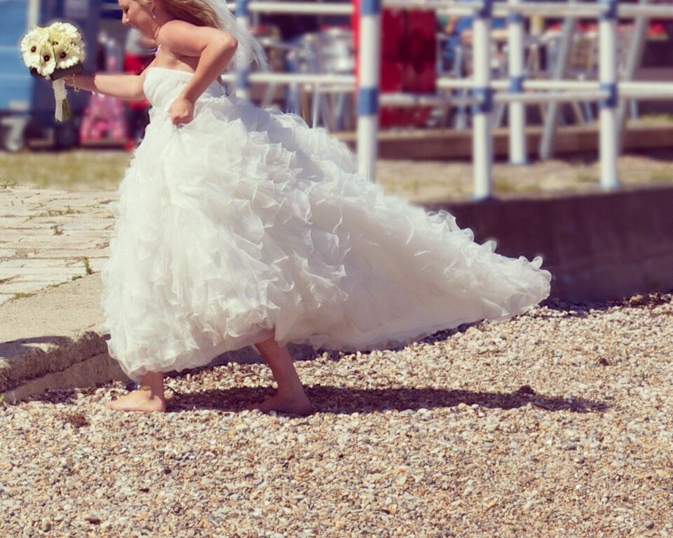 bride running late